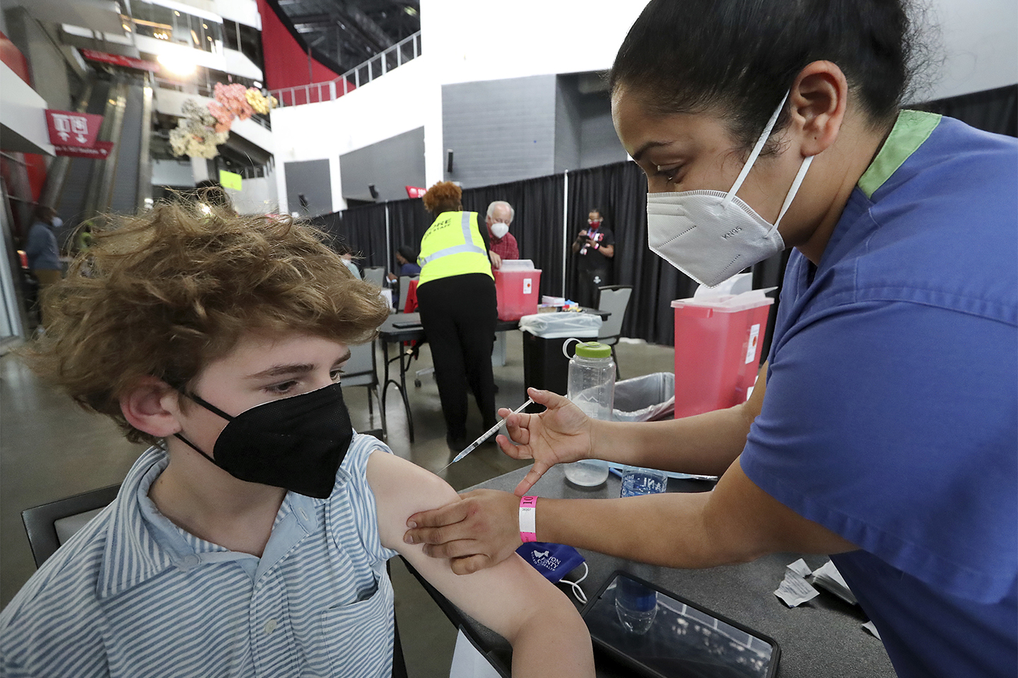 Teens Are Starting To Get Vaccinated That S A Big Deal For Schools